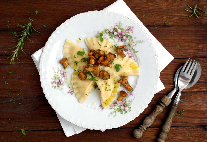 Kürbis-Ricotta-Ravioli mit Eierschwammerl-Butter